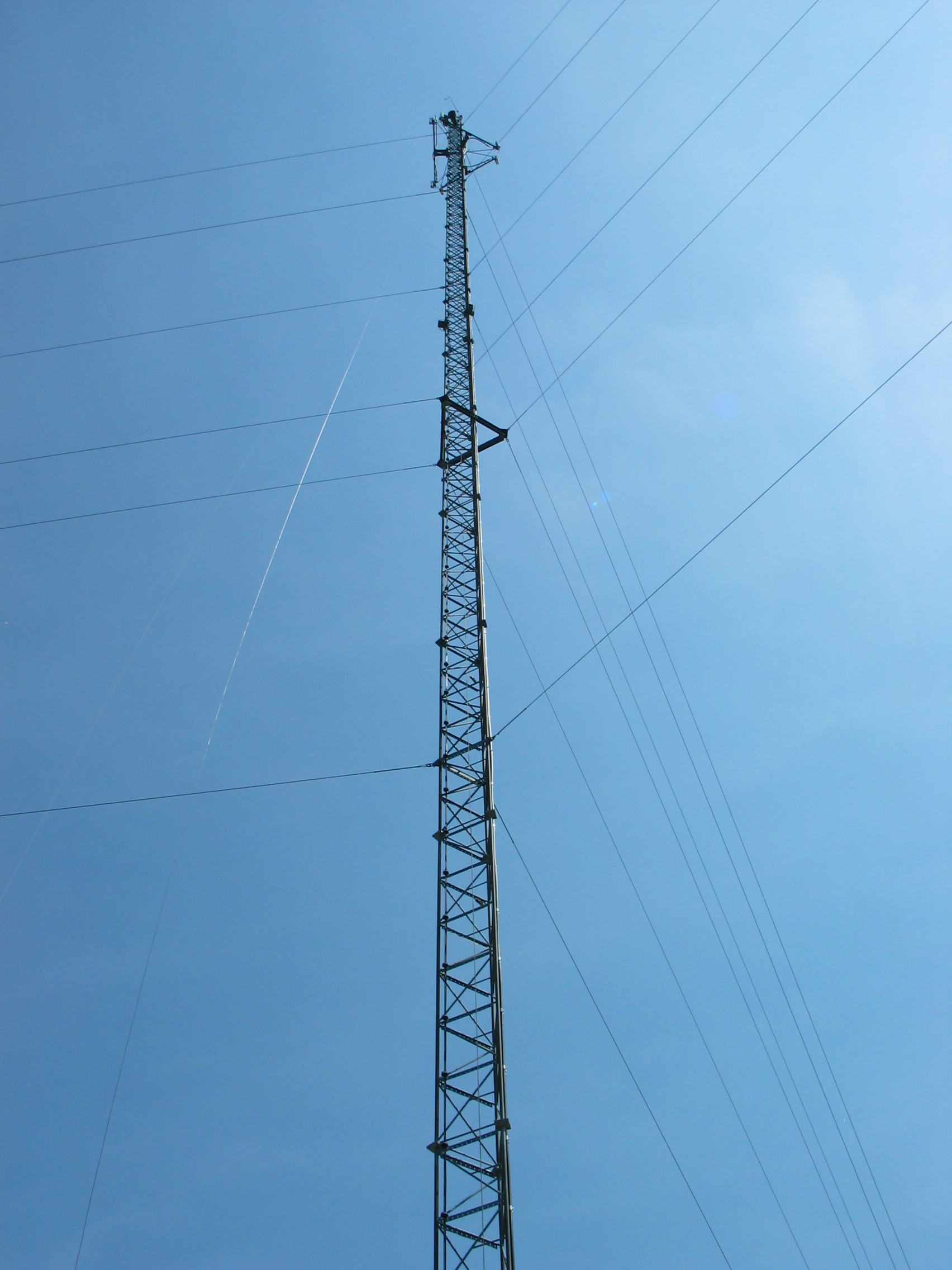 300' cell phone tower near Muscatine, Iowa